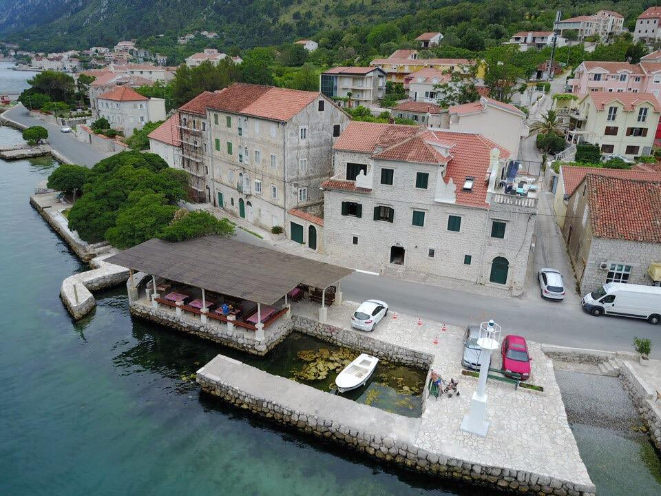 Tavern Lanterna Kotor cover photo