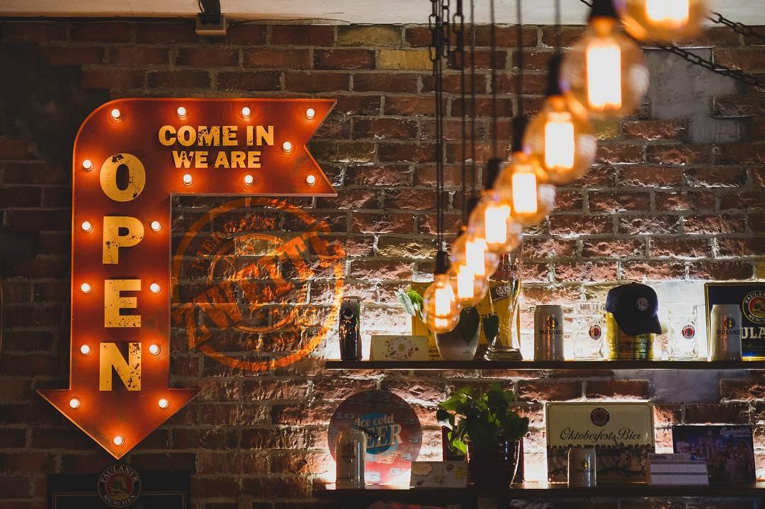 Munchen Bierhaus/Beerhouse 2 cover photo